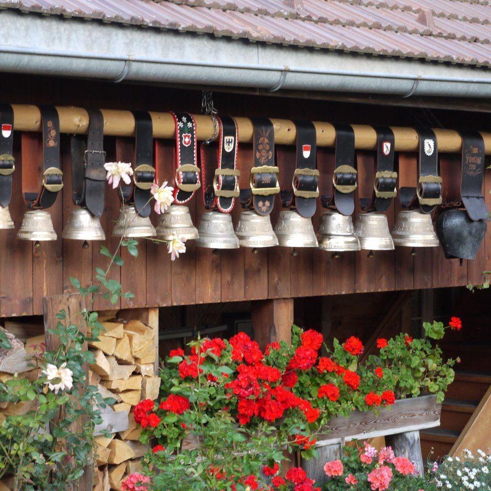 Swiss Souvenirs - Cow Bell Swiss Emblem 'Silver'