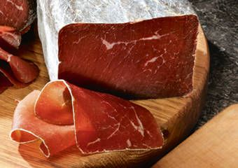 Bündnerfleisch – A true Swiss dried meat specialty