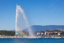 Geneva's Jet d'Eau fountain bursts water again