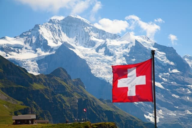 Swiss House Shop – 2nd Year Anniversary